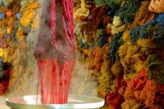 Χρωματισμός υφασμάτων Στοκ εικόνα με δικαίωμα ελεύθερης χρήσης