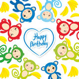 Χρόνια πολλά πρότυπο καρτών, αστείος πράσινος μπλε ρόδινος πορτοκαλής πίθηκος, κίτρινες μπανάνες, αγόρια και κορίτσια στο άσπρο υ Στοκ Εικόνα