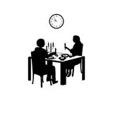Χρόνος για ένα ρομαντικό γεύμα Στοκ φωτογραφία με δικαίωμα ελεύθερης χρήσης