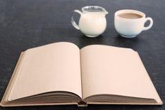 Χρόνος για τον καφέ και το ημερολόγιο Στοκ Εικόνα