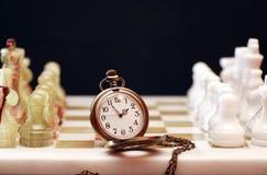 Χρόνος για το παιχνίδι σκακιού Στοκ φωτογραφία με δικαίωμα ελεύθερης χρήσης