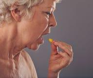 Χρόνος για το φάρμακο Στοκ φωτογραφία με δικαίωμα ελεύθερης χρήσης