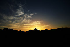 Χρόνος ηλιοβασιλέματος στα βουνά Στοκ φωτογραφία με δικαίωμα ελεύθερης χρήσης