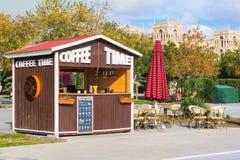 Χρόνος καφέ στη λεωφόρο του Μπακού Στοκ Φωτογραφία