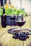 Χρόνος κρασιού Patio Στοκ εικόνα με δικαίωμα ελεύθερης χρήσης