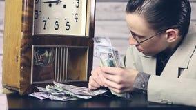 Χρόνος να γίνουν κάποια χρήματα, bachemang απόθεμα βίντεο