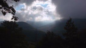 Χρόνος-σφάλμα ενός πρωινού στα αλπικά βουνά φιλμ μικρού μήκους