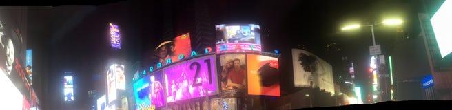 Χρόνος τετραγωνική Νέα Υόρκη τή νύχτα στοκ εικόνα με δικαίωμα ελεύθερης χρήσης