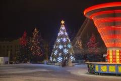 Χρόνος χειμώνα και Χριστουγέννων στην πόλη Daugavpils Στοκ Φωτογραφίες