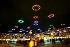 Φωτισμένη διακόσμηση Χριστουγέννων στη Μαδρίτη, Ισπανία Στοκ Εικόνες