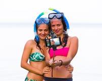 Χρόνος Selfie πρίν κολυμπά με αναπνευτήρα Στοκ φωτογραφίες με δικαίωμα ελεύθερης χρήσης