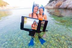 Χρόνος Selfie πρίν κολυμπά με αναπνευτήρα Στοκ φωτογραφία με δικαίωμα ελεύθερης χρήσης