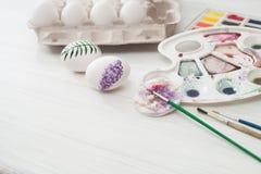 Χρώματα αυγών χρωματισμού για Πάσχα, βοτανική απεικόνιση Στοκ Φωτογραφία
