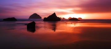 Χρώματα ηλιοβασιλέματος στον ωκεανό Στοκ εικόνες με δικαίωμα ελεύθερης χρήσης