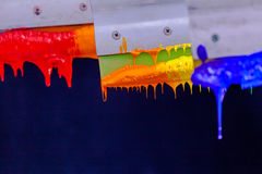 Χρώματα μίγματος με το χέρι Στοκ Εικόνα