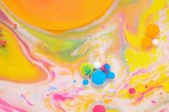 Χρώματα που δημιουργούνται από το πετρέλαιο και το χρώμα Στοκ Εικόνες