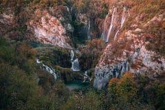 Χρώματα Autum και καταρράκτες του εθνικού πάρκου Plitvice στην Κροατία Στοκ φωτογραφία με δικαίωμα ελεύθερης χρήσης