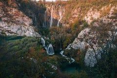 Χρώματα Autum και καταρράκτες του εθνικού πάρκου Plitvice στην Κροατία Στοκ Εικόνες