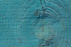 Χρώμα αποφλοίωσης στο ξεπερασμένο ξύλο ως λεπτομερή εικόνα υποβάθρου Στοκ Εικόνες