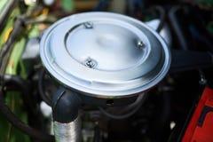 Χρώμιο ΚΑΠ, φίλτρο αέρα, παλαιό αυτοκίνητο στοκ εικόνα