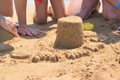 χτίζοντας άμμος κάστρων Στοκ Εικόνες