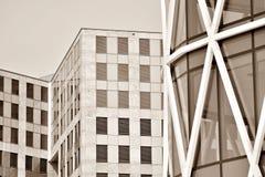 χτίζοντας εξωτερικό σύγχρ μαύρο λευκό Στοκ Φωτογραφία