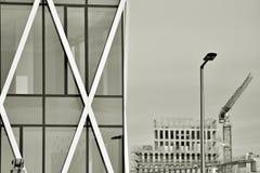 χτίζοντας εξωτερικό σύγχρ μαύρο λευκό Στοκ φωτογραφίες με δικαίωμα ελεύθερης χρήσης