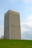 χτίζοντας ουρανοξύστης πολυόροφων κτιρίων Στοκ φωτογραφία με δικαίωμα ελεύθερης χρήσης