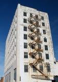 χτίζοντας παλαιό λευκό Στοκ φωτογραφία με δικαίωμα ελεύθερης χρήσης