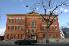 χτίζοντας παλιό σχολείο Στοκ φωτογραφία με δικαίωμα ελεύθερης χρήσης