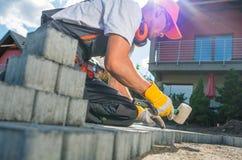 Χτίζοντας πορεία κήπων τούβλου Στοκ εικόνες με δικαίωμα ελεύθερης χρήσης