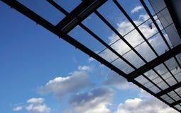 χτίζοντας στέγη γυαλιού στοκ φωτογραφία