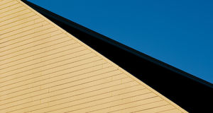 χτίζοντας στέγη Στοκ φωτογραφία με δικαίωμα ελεύθερης χρήσης