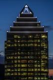 χτίζοντας σύγχρονη κορυφή Στοκ εικόνα με δικαίωμα ελεύθερης χρήσης