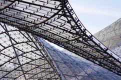 χτίζοντας σύγχρονη στέγη Στοκ εικόνες με δικαίωμα ελεύθερης χρήσης
