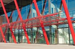 χτίζοντας σύγχρονο γραφ&epsilo Στοκ εικόνες με δικαίωμα ελεύθερης χρήσης