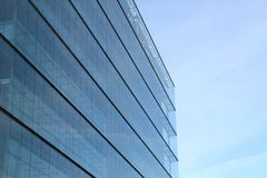 χτίζοντας το γυαλί σύγχρ&omicr Στοκ Εικόνα