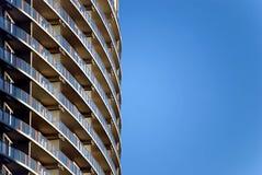 χτίζοντας υψηλή σύγχρονη άν& Στοκ Φωτογραφία