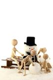 χτίζοντας χιονάνθρωπος προγόνων παιδιών Στοκ εικόνα με δικαίωμα ελεύθερης χρήσης
