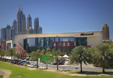 χτίζοντας Microsoft Office του Ντουμπάι στοκ εικόνες