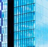 χτίζοντας Windows γραφείων Στοκ Εικόνες