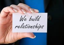 Χτίζουμε τις σχέσεις στοκ εικόνες