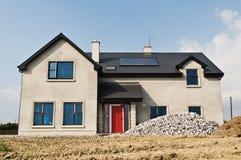 χτίστε το συγκεκριμένο σπίτι νέο στοκ εικόνες