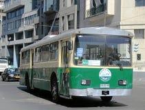 1952-χτισμένο pullman-τυποποιημένο trolleybus στην οδό Valparaiso Στοκ Εικόνες