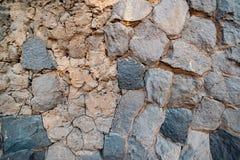 Χτυπημένος αντίκα τοίχος της μεγάλης πέτρας στοκ εικόνα με δικαίωμα ελεύθερης χρήσης