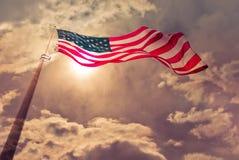 Χτύπημα Ηνωμένων σημαιών στον αέρα Στοκ Εικόνα