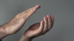 Χτύπημα χεριών ατόμων απόθεμα βίντεο