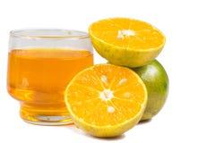 Χυμός από πορτοκάλι και φέτες στοκ εικόνες