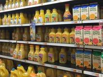 Χυμός από πορτοκάλι της Νίκαιας στην πώληση ψύξης Στοκ φωτογραφία με δικαίωμα ελεύθερης χρήσης