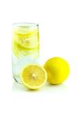 Χυμός λεμονιών και φέτα, φρέσκο λεμόνι Στοκ εικόνα με δικαίωμα ελεύθερης χρήσης